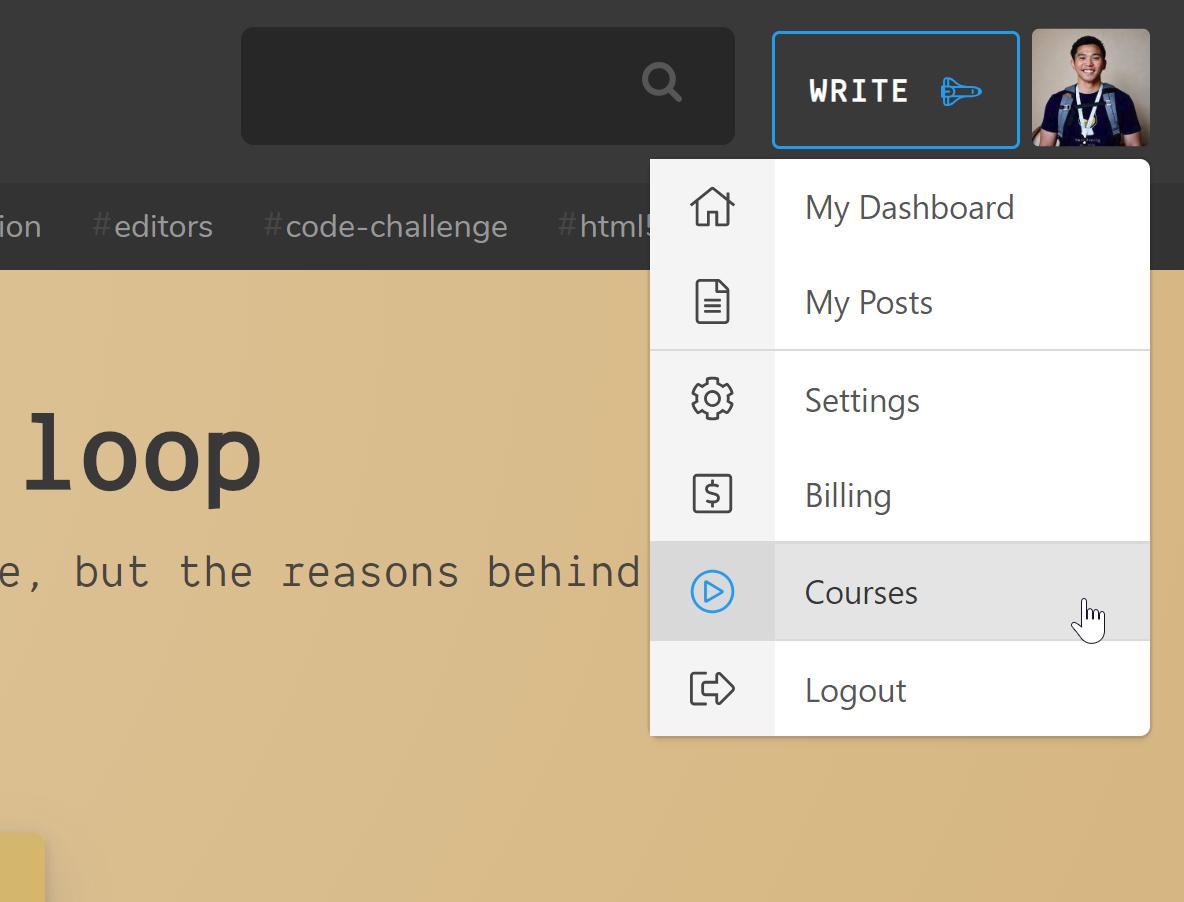 """Situs web Scotch dengan daftar menu menurun dan """"Courses"""" yang disorot"""